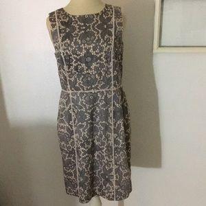 Ann Taylor women's Sz 10 fitted mid dress